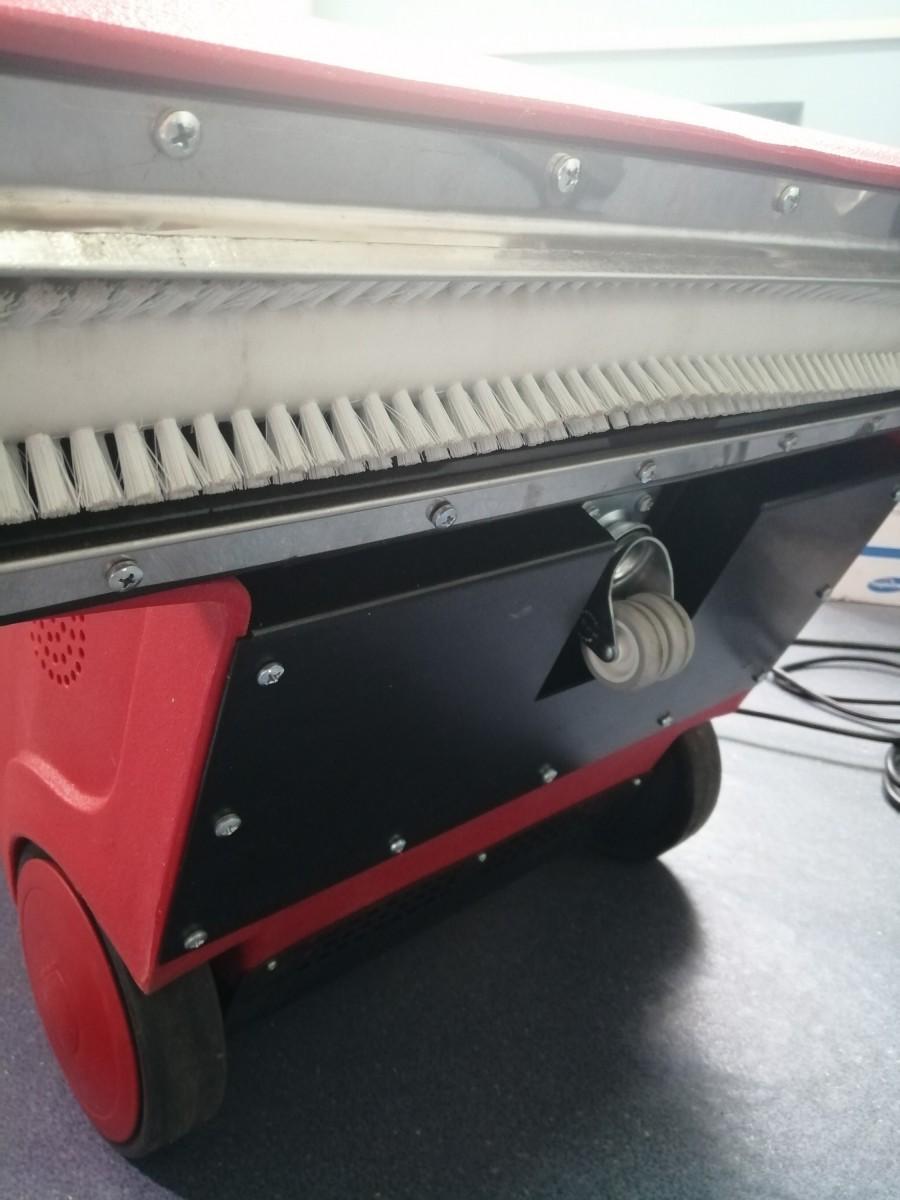 Финишная машина для расчесывания ворса ковров после сушки  в камере